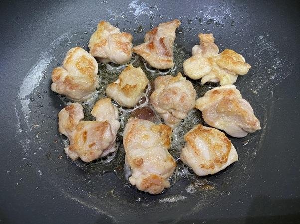 鶏モモ肉を焼きました 焦げ目がつくぐらい